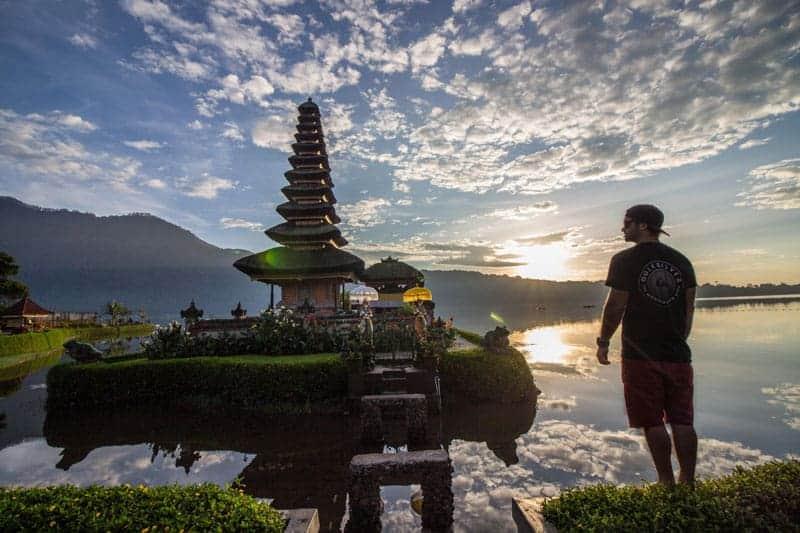 things to do in bali, bali pura ulun water temple, bali water temple, bali indonesia water temple, things to do in bali indonesia