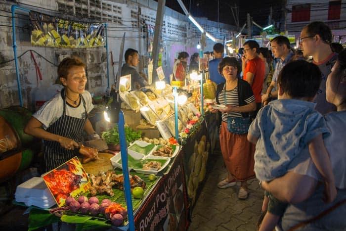 Saturday walking street Chiang Mai food1