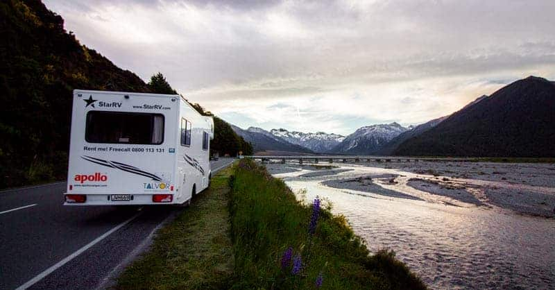 Roadtripping in a Campervan Across New Zealand for Free!