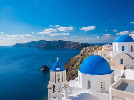 10 unique things to do in santorini, red beach santorini, best place to stay in santorini