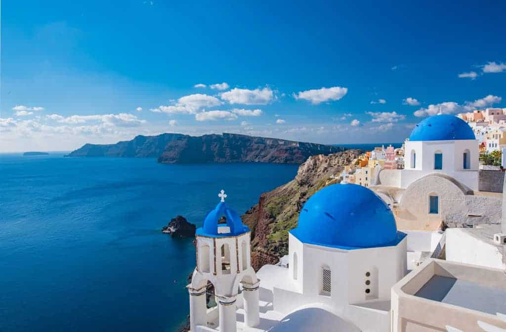 10 Unique things to do in Santorini